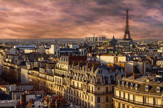 paříž a eiffelova věž