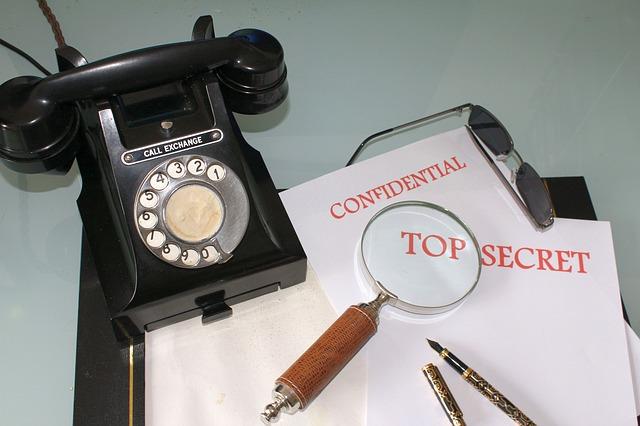 telefon a špionáž