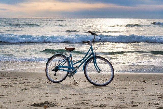 kolo na pláži.jpg