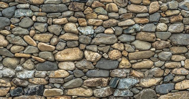 kamenná zeď.jpg
