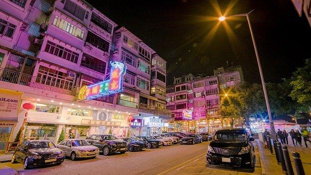 osvětlené ulice.jpg