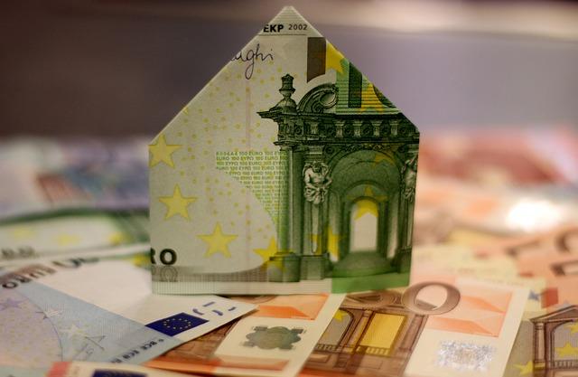dům z bankovky