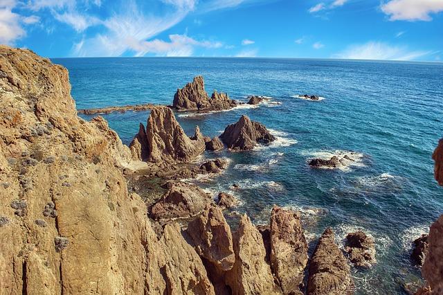 mořský útes